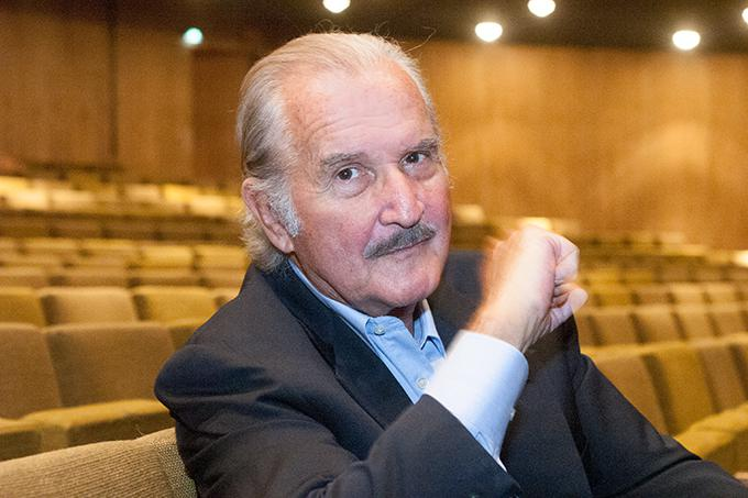 the old gringo by carlos fuentes essay Fuentes, mexico's leading novelist (author of terra nostra), invents here a lyrical and philosophical tale about the times of pancho villa and the revolution in mexico the old gringo of the title is.